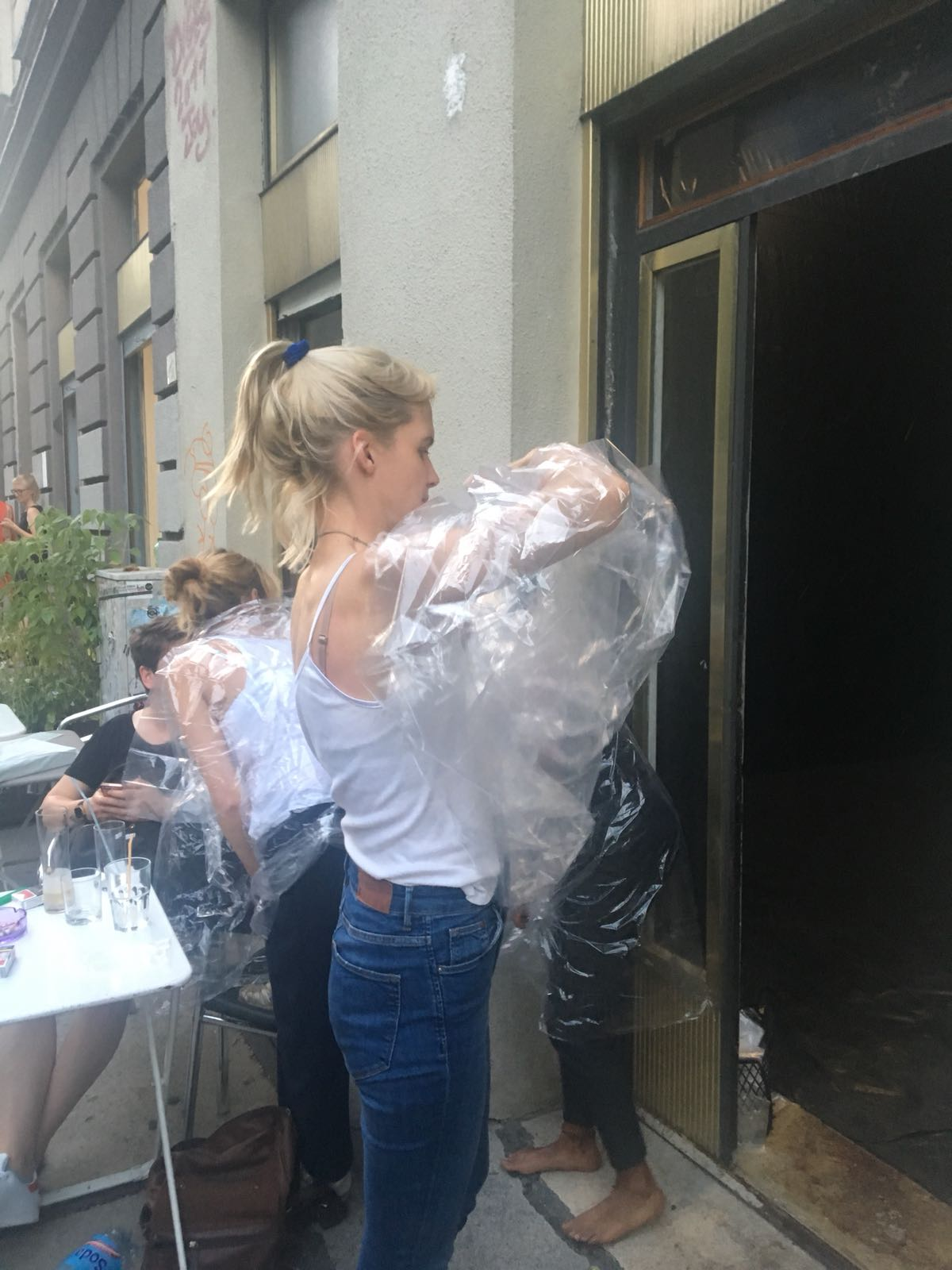 Performance Sanja Velickovic, Intersections #1, 20.6.2018, Galerie Kunstbüro