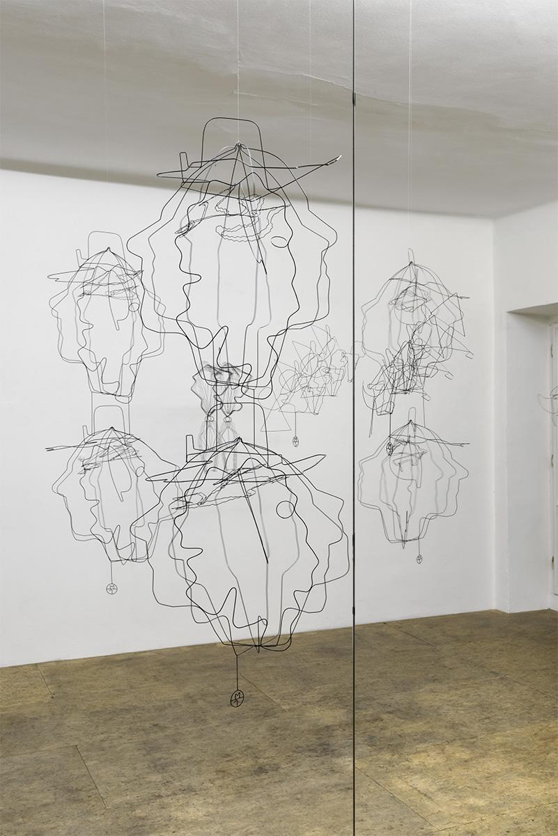 Ausstellungsansicht, Constantin Luser, SYMETRON, Doppelköpfe M1 - M4, 2017, Foto: Simon Veres