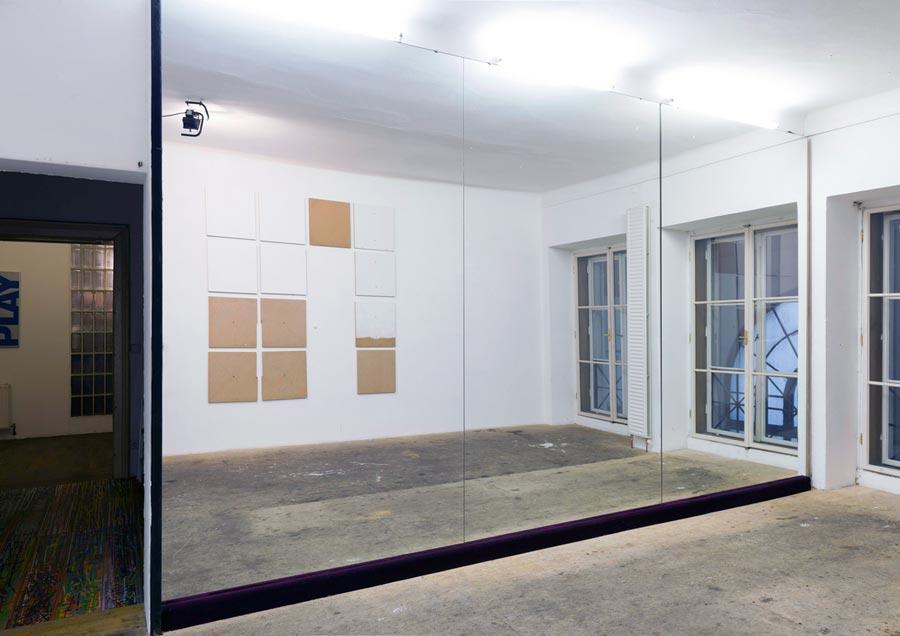 Heimo Zobernig, Installationsansicht Büro Weltausstellung, Foto © Archiv HZ