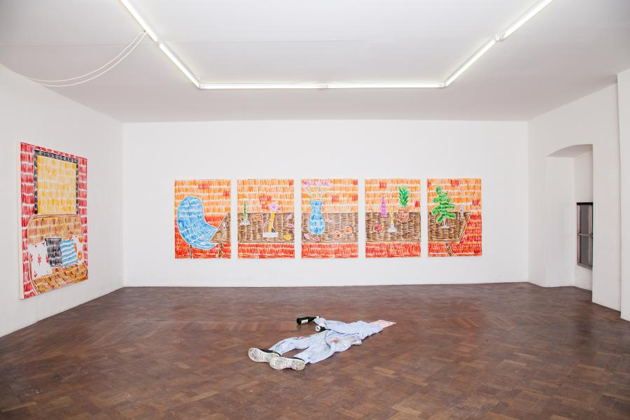 "Installationsansicht Ausstellung Rade Petrasevic ""I wanna be the daughter of your parents"" 2015"