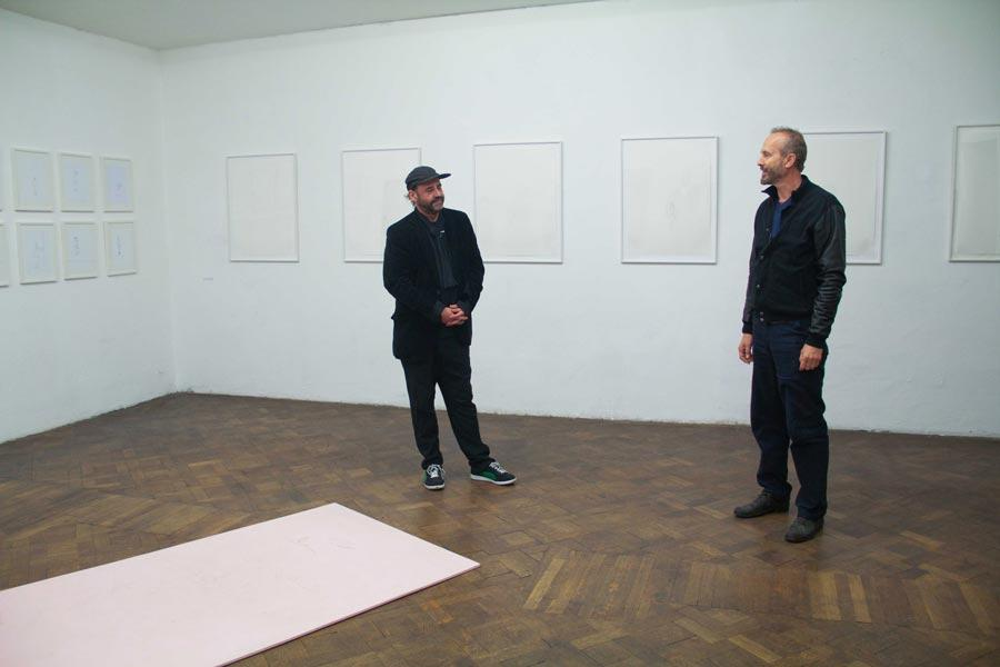 Stefan Bidner im Gespräch mit Erwin Wurm, Büro Weltausstellung
