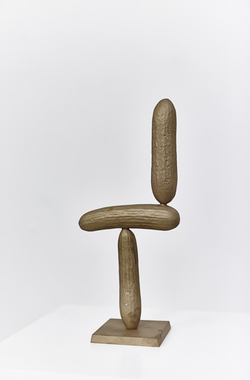Erwin Wurm | Gurken Modernistisch II | 2016 | Bronze patiniert | 30,5 x 13,5 x 8,5 cm | Version 1/5   2 AP