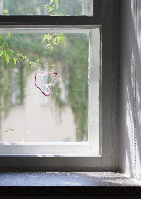 FRANZ WEST, Chewed gum, 2010, Performance, Photographer Arnas Anskaitis