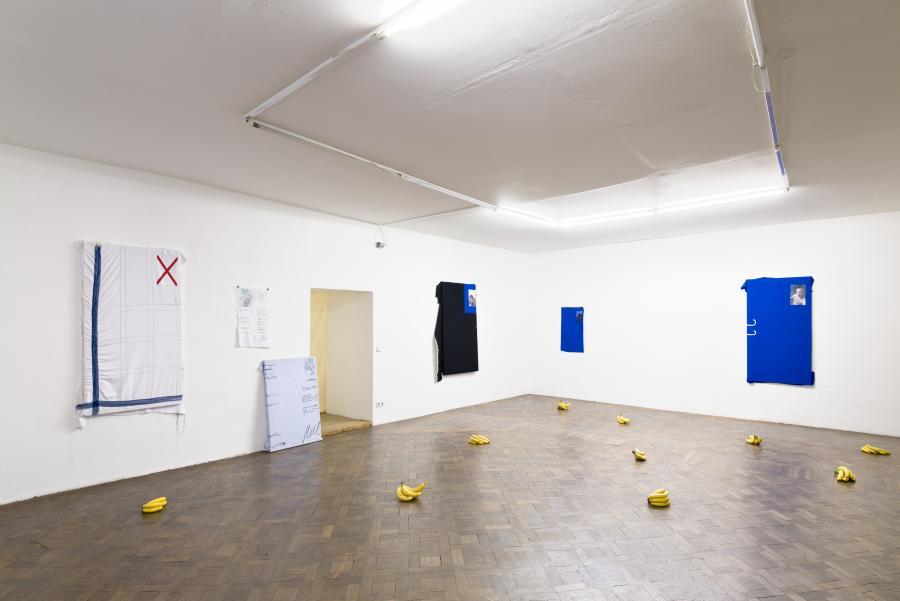 """Installationview, """"Josip Novosel - CV Paintings"""", Büro Weltausstellung, 2017"""